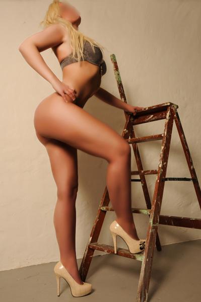 Becky2-(2)