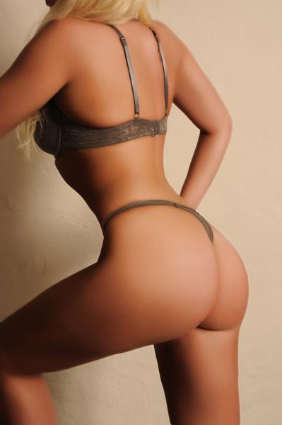 Becky2-(4)